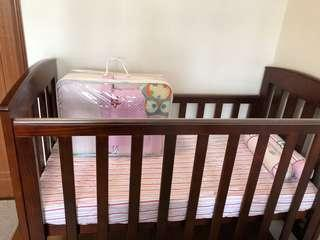 Milano 4 in 1 babycot - barely used. Comes with an unused bedding set