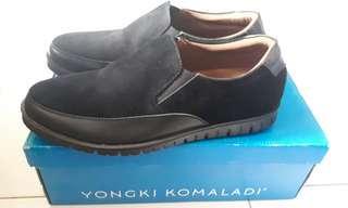 Sepatu casual yongky