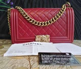 100% Authentic CHANEL Quilted Boy chain bag, Lambskin, Bordeaux