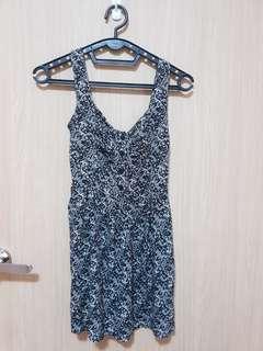 🚚 Comfy Black Printed Dress