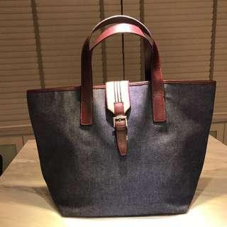 A Burberry Shopping Tote