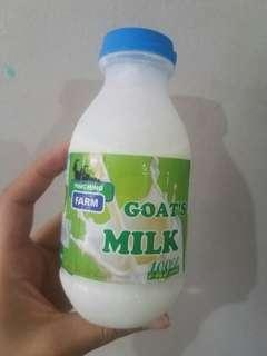 Susu Kambing Goat's Milk 100% Fresh 250ml