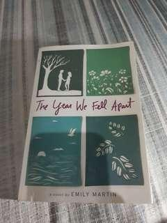 PRELOVED-EMILY MARTIN's THE YEAR WE FELL APART