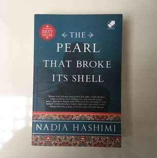 The Pearl that Broke Its Shell a novel by Nadia Hashimi (Indonesia)