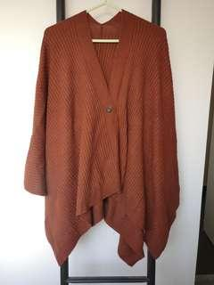 Uniqlo 啡色多著法斗篷 可作披肩及頸巾
