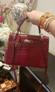Authentic Hermes Kelly 25cm Porusos Crocodile Leather Selling for 1.2Million