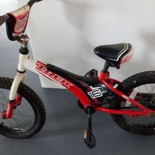 """Trek Jet Children 18""""  Red & White Bike"""