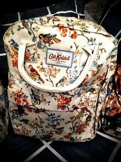 Cath Kidston♥️London Blossom🐦Birds (retail:SOLD💰OUT) 2+way Bag backpack. Feel the Original. Fully coated (Never Shinny)