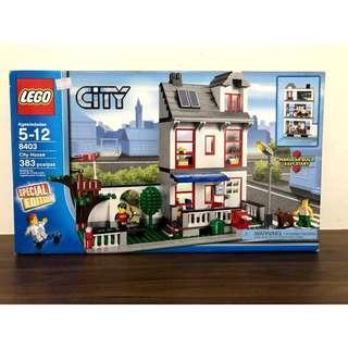 8403 - LEGO City House