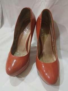 DE FUSE Brown-Orange Heels