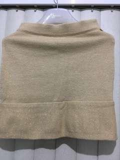 ❄️MARKED DOWN!❄️Chanel gold knit mini skirt