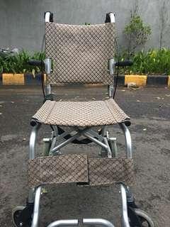 Foldable wheelchair (travel wheelchair)