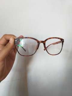 Kacamata minus 1/kanan.kiri