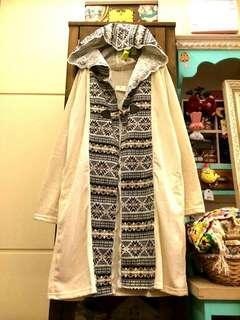 🚚 轉售A波星球⭐日本購入雪花圖騰毛料長版冬天外套刺繡蕾絲拼布連帽