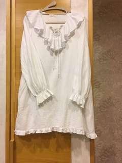 🚚 甜美荷葉邊白洋裝