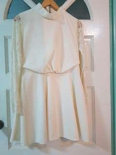 <BRAND NEW> KOREAN WHITE SLEEVED DRESS