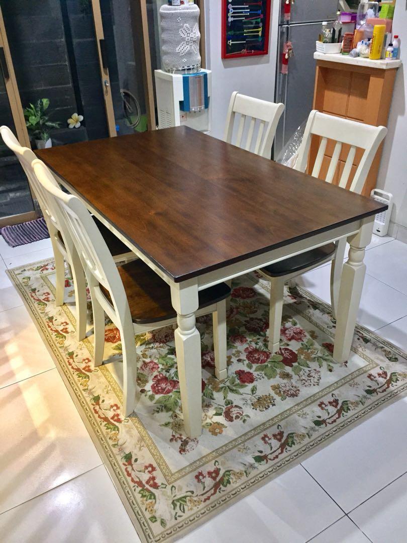 Ashley Whitesburg Set Meja Makan Perabotan Rumah Di Carousell