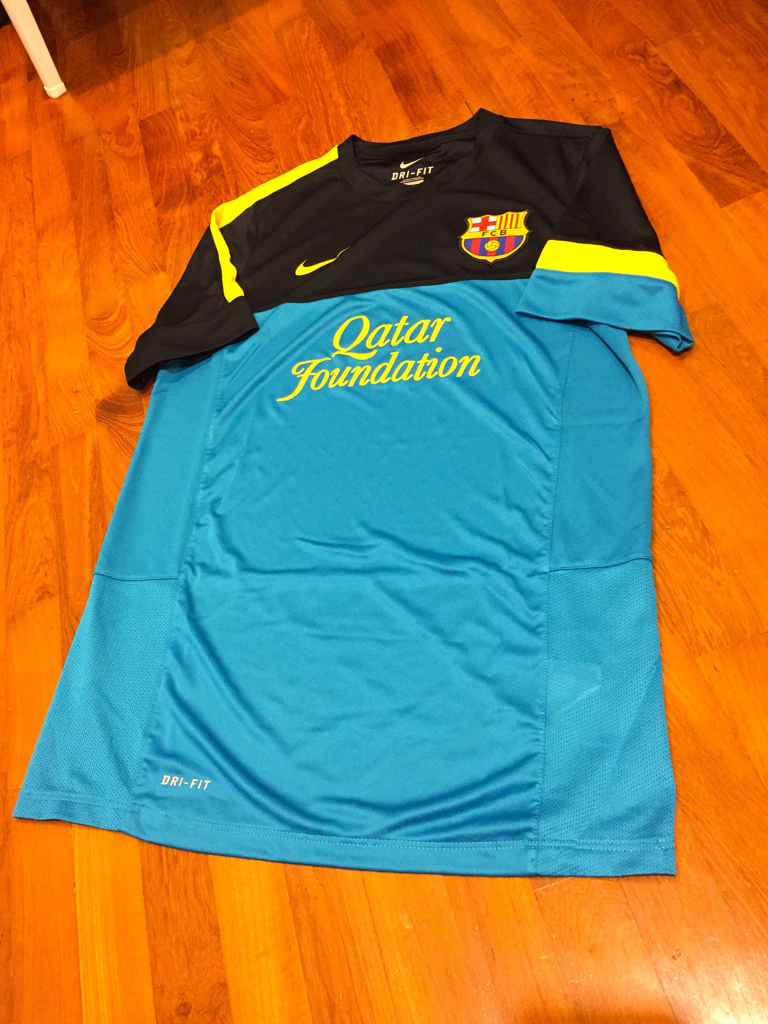 brand new e8259 c4f5a Authentic FC Barcelona Training Jersey - Men's Size M on ...
