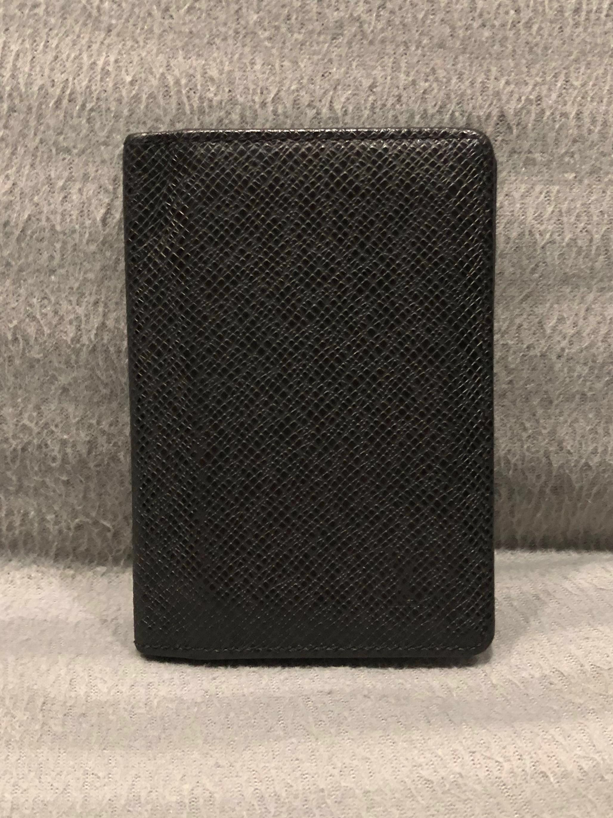 the best attitude 850d7 b436a Authentic Louis Vuitton Men's Card Holder (Fast Deal @ $250)