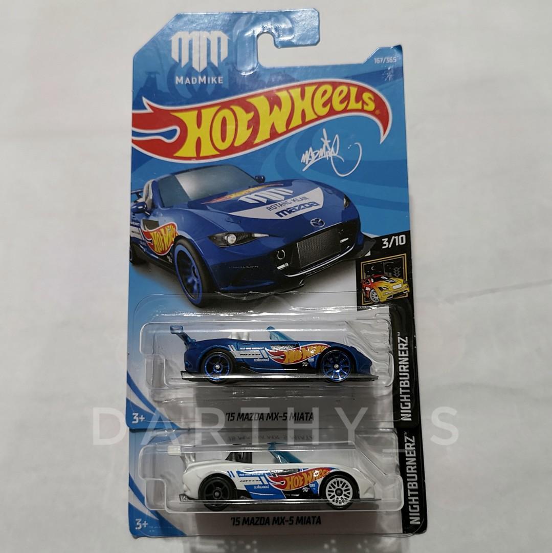 Hot Wheels '15 Mazda MX-5 Miata set (2018 card)