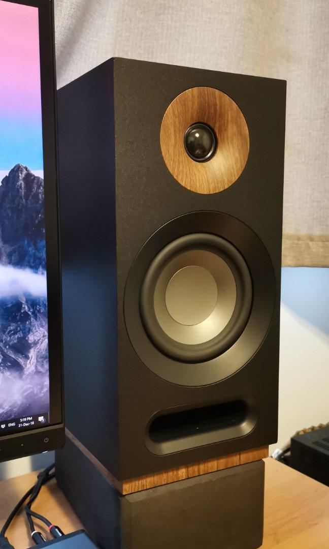 Jamo s803 new 2018 model speakers  Almost new , Electronics