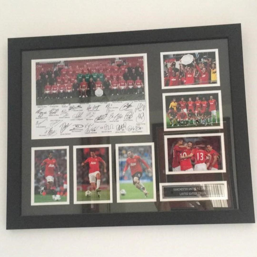 Manchester United Signed Framed Memorabilia