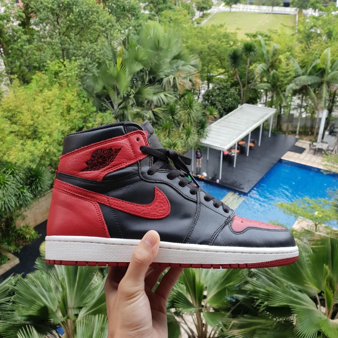 e35d6135159d Nike Air Jordan 1 Bred