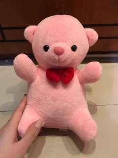 Boneka beruang pink kecil
