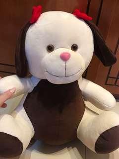 Boneka anjing lucu besar