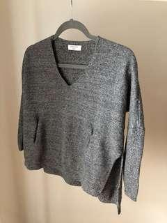 LIKE NEW SIZE XXS/XS Aritzia Babaton Baylor Sweater