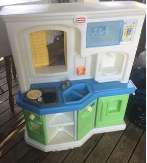 Little Tikes Cookin Fun Interactive Kitchen