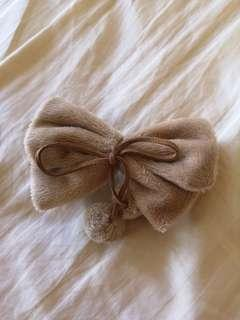 (NEW) 🇯🇵Furry bow hair clip 🎀