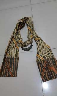 Syal, scarf, kalung  batik keren . Etnik. Tradisional