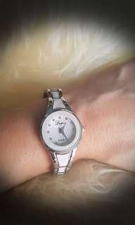 W2d BN ladies metal strap watch