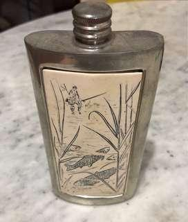 Pocket Decanter (Silver)