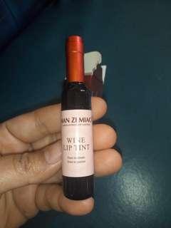 Liptint tint wine