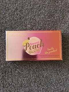 Too Faced Sweet Peach Glow Palette