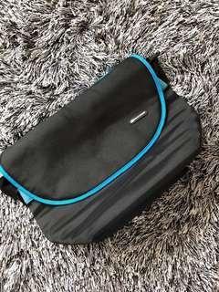 Skechers sling sports bag