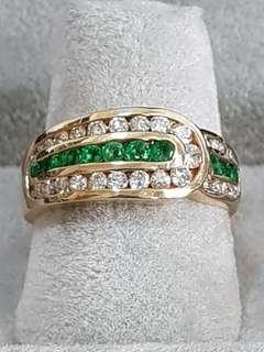 🚚 18K Yellow Gold Emerald Diamond Ring