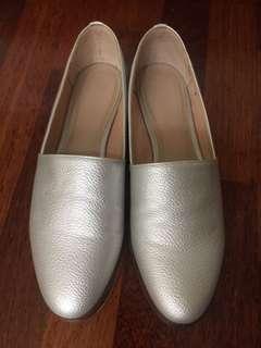 0888c9037a2 slip on loafer