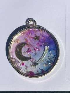 Resin Craft Item /Necklace / keychain