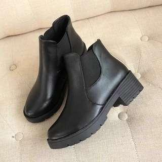 Korean Black Boots