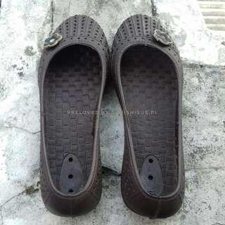 Sandal karet new era
