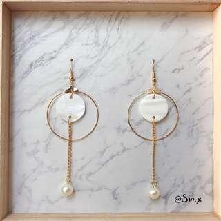 Korean Ulzzan Gold dangling earring