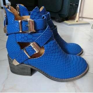 (蝕賣價$399) 批發清貨 日牌WORK-A-HOLIC 全新 真皮 牛皮 鮮藍色 高筒 金扣 蛇紋 鱷魚紋 短靴35碼