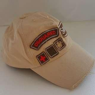 🚚 Fun, Groovy, Stylish Fashion, Dsquared D2 Dean and Dan Designer Cap ITALY, Beige, Various Patches and Badges, Sam, Canada, Dsquared, Street Fashion, Iconic Design, Daily Wear, Absolutely Fabulous