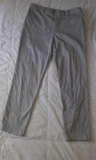 UNIQLO GREY ANKLE PANTS