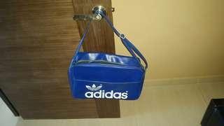 Vintage retro adidas flyer traveller sling bag
