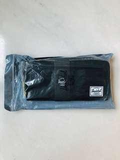 🚚 Herschel Long Wallet (Black)