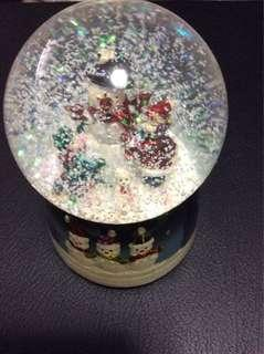 Snowman water ball with music box glitter